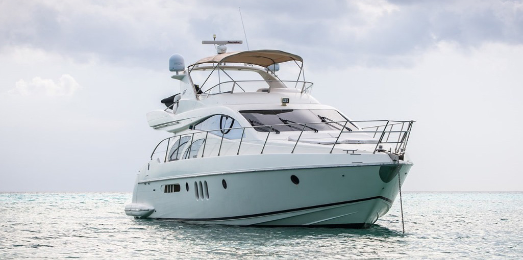 55-Azimut-With-Flybridge-Luxury-Yacht