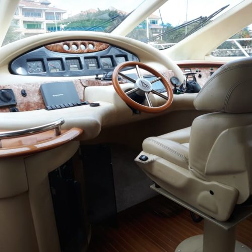 55' Azimut With Flybridge Luxury Yacht 7 (2)