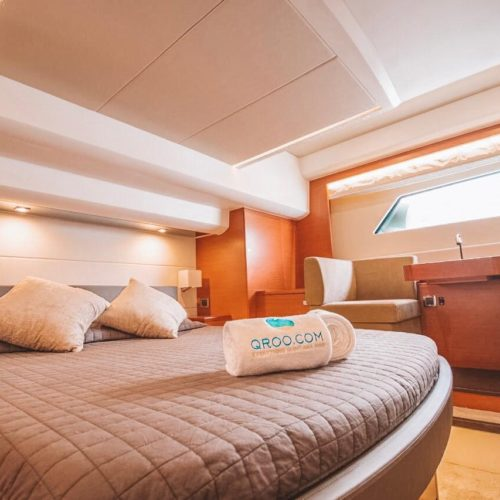 55' Prestige With Flybridge Luxury Yacht 12