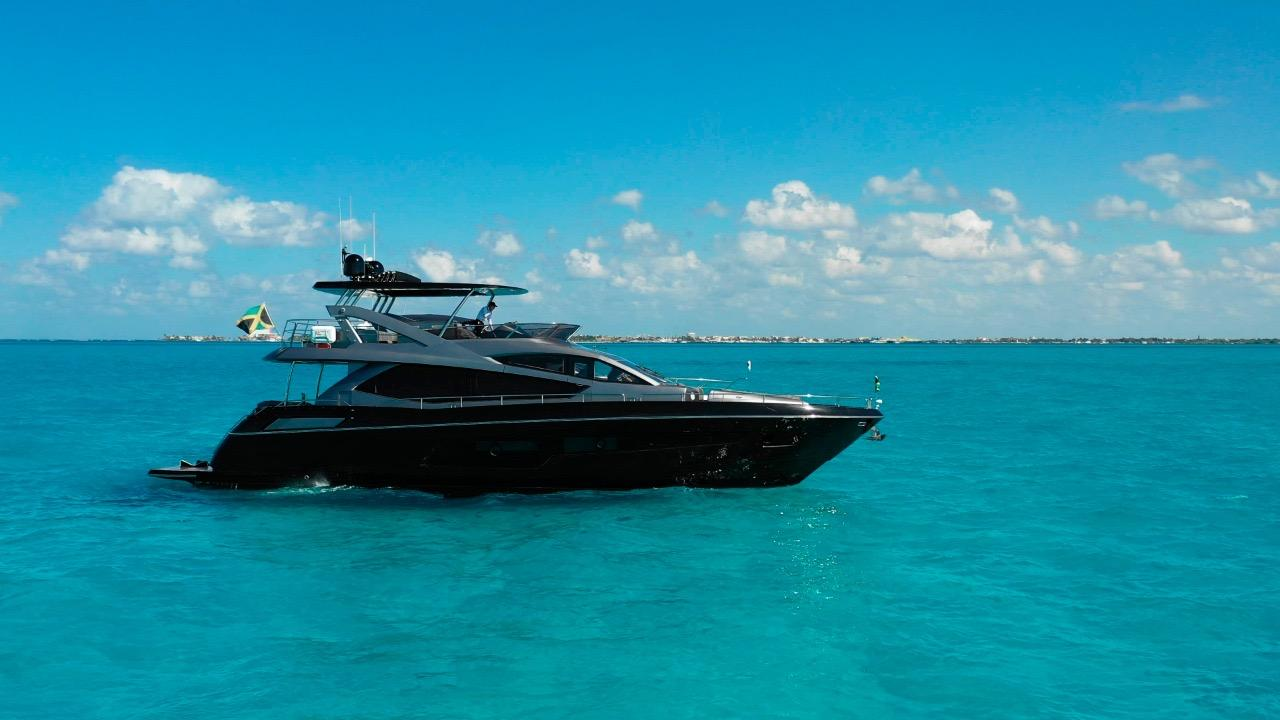 75-sunseeker-manhattan-luxury-yacht