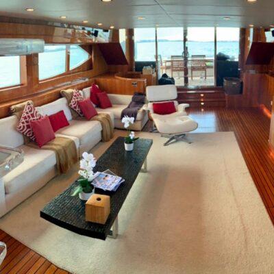 80' Dyna Luxury Yacht 3