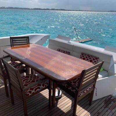 80' Dyna Luxury Yacht 5