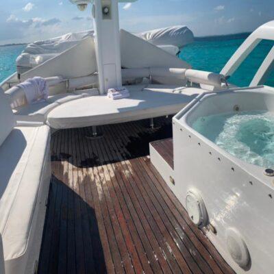80' Dyna Luxury Yacht 6